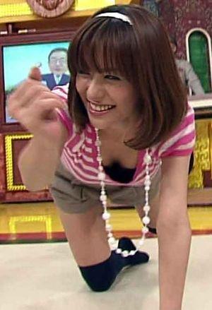 【TV放送事故エロ画像】地上波放送で映された女性たちの恥ずかしいシーン 16