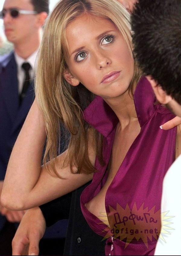 【女性たちのハプニングエロ画像】見えて当然の衣装を着る女性たちを集めてみましたww 06