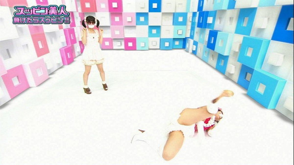 【アイドル達のエロ画像】アイドル達ファン達は嬉しいハプニングエロ画像!! 04