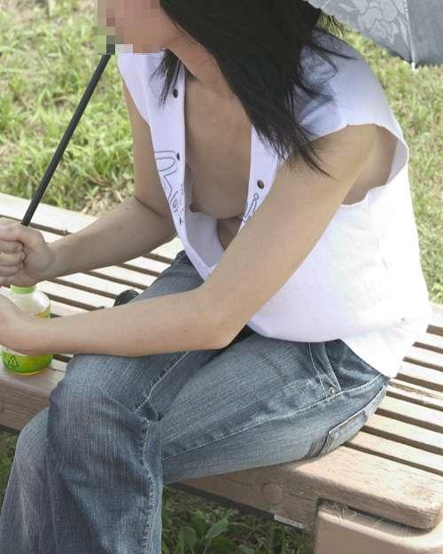 【夏のハプニング画像】夏の女性達のフット気が緩むハプニング画像を集めてみましたwww 09
