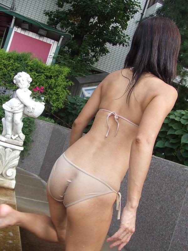 【水着エロ画像】ハプニング好きの為のヘンタイ女子のハプニング画像を集めてみました