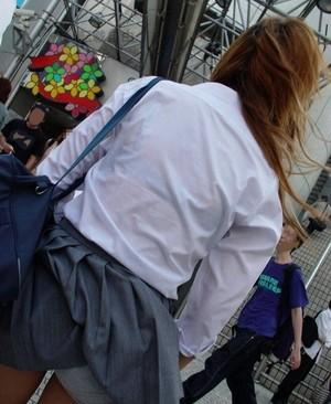 【エロ画像】女の子たちの楽しい&恥ずかしいハプニング画像集めてみましたWW 01