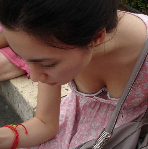 【エロ画像】女の子たちのエロいおっぱいハプニング画像集めてみましたww 03