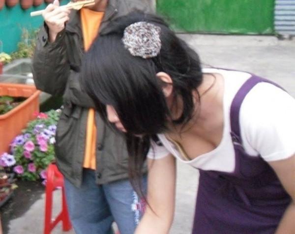 【ちょいエロ画像】おっぱいいっぱいのハプニング画像を集めてみました 07