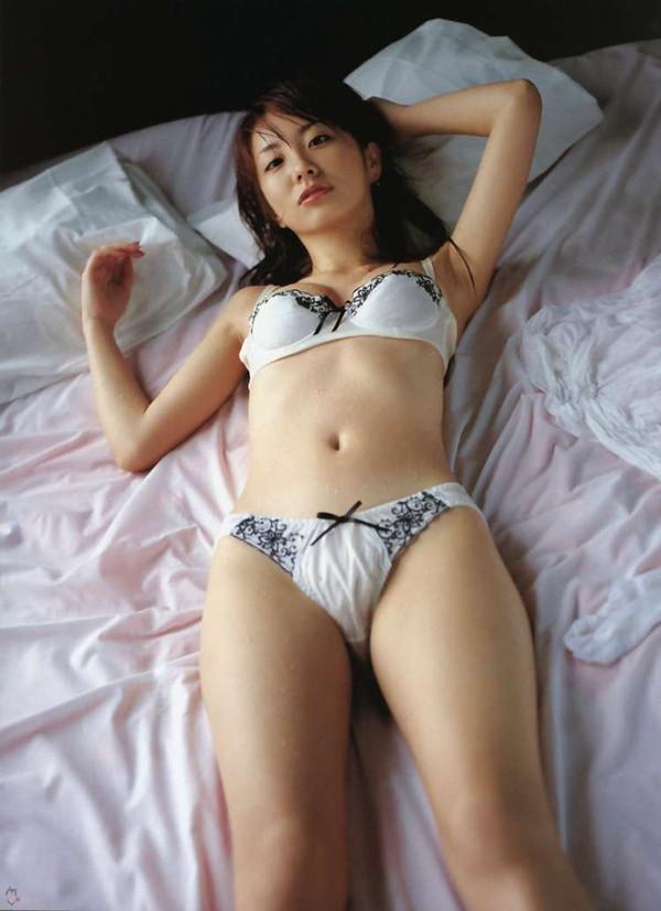 【エロ画像】女の子たちの楽しい&恥ずかしいマンスジハプニング画像集めてみましたWW 13