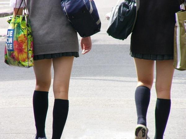 【エロ画像】エロいパンチラが見たくて見たくて探して集めてみましたww「ティーバッグがいい!」 19