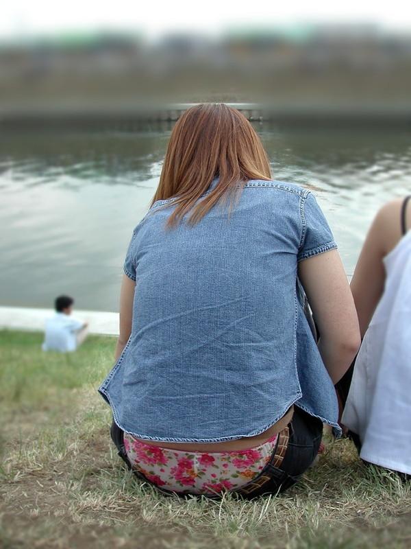 【エロ画像】女性が起こすパンチラハプニングはなぜエロいのかを知りたくて探した結果を集めてみました 07