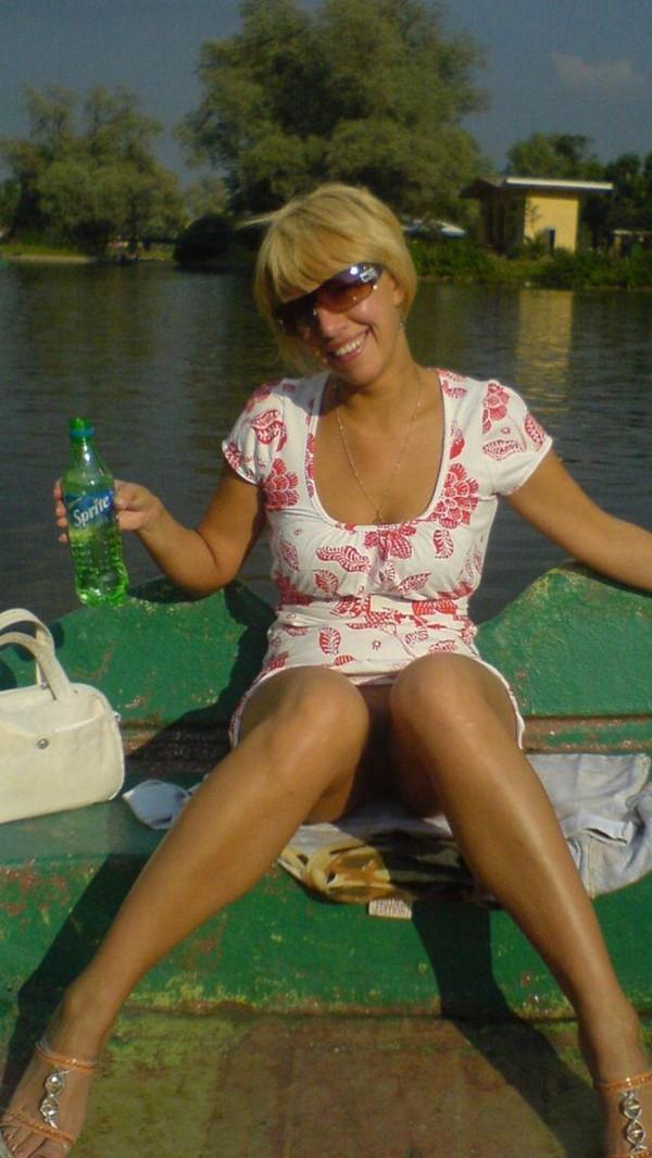 【ハプニング画像】ノーパン女と酔っ払い女の違いがそんなに変わらない画像を集めてみましたw
