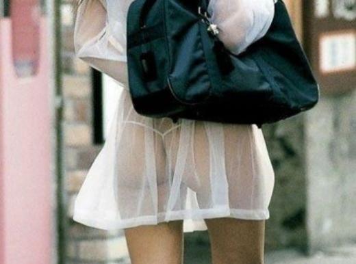 【スケスケ画像】着ている女の子達は気ずいていないスケスケハプニング画像を集めてみましたwww 06
