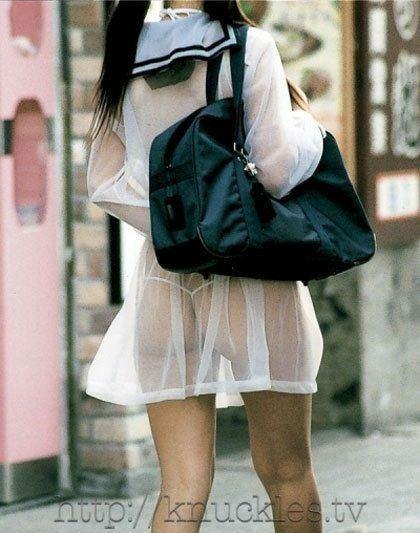 【スケスケ画像】着ている女の子達は気ずいていないスケスケハプニング画像を集めてみましたwww 07