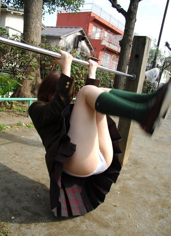 【チラチラ画像】ハプニング大集合!!女の子達のあれやこれやのチラチラ画像を集めてみましたww 14