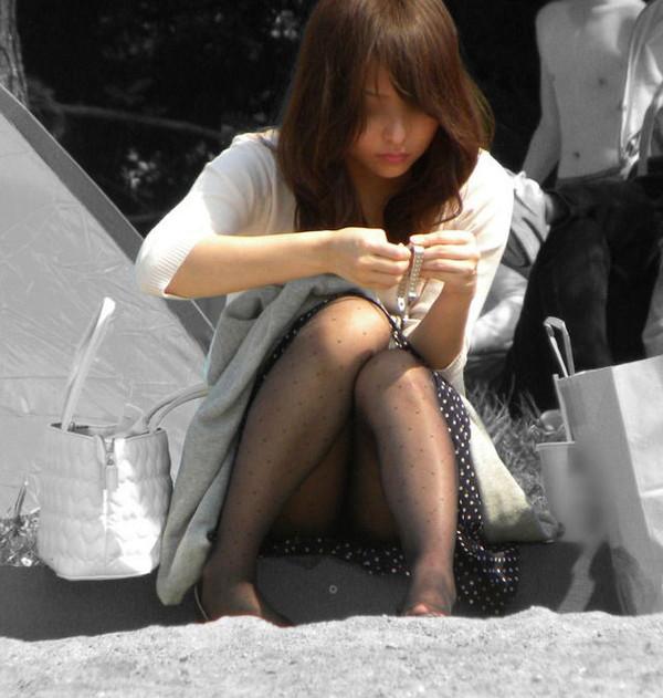 【パンチラ画像】街中で見かける良くあるパンチラパターンの画像を集めてみましたw 07