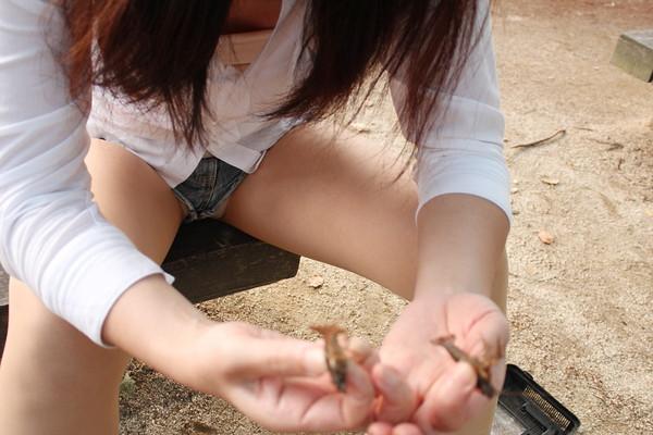 【パンチラ画像】スタイルバツグンの女の子たちのパンチラハプニング画像を集めてみましたww 03