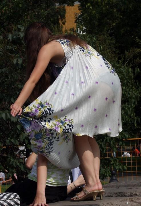 【スケスケ画像】世界中のスケスケのいろんな女の子達のいろんなパターンのハプニングを集めてみましたww 09