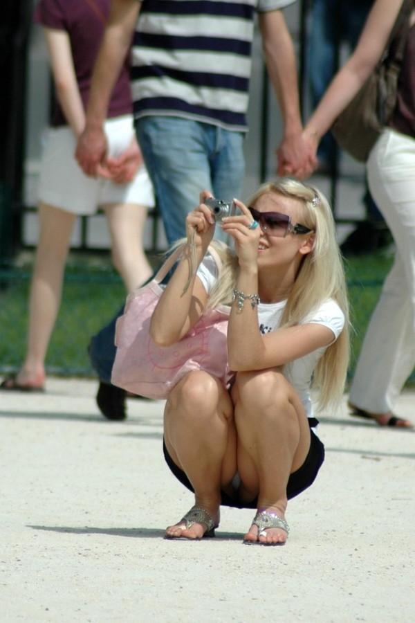 【パンチラ画像】世界中のビッチでヘンタイそうな女の子のハプニング画像を集めてみました 07