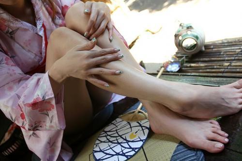 【ハプニング画像】夏の風物詩のパンチラハプニング画像を集めてみましたww 15