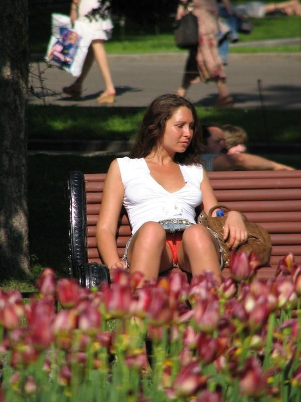 【ハプニング画像】外国人達の夏服がエロくてセクシーな画像を集めてみましたww 11