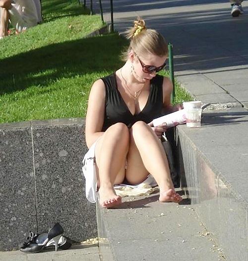 【ハプニング画像】外国人達の夏服がエロくてセクシーな画像を集めてみましたww 18