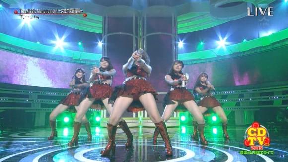 【放送事故画像】なぜテレビに出ている女の子達はみんなスカートが短いのか気になる画像を集めてみましたww 05