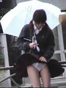 【ハプニング画像】ふわっと風が吹いた瞬間、ふわっとスカートがめくれ上がる! 06