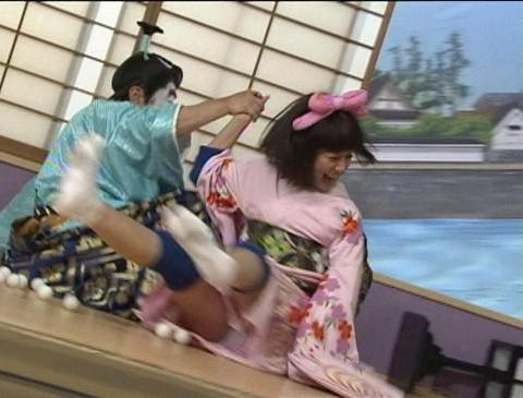 【放送事故画像】テレビに映るちらリズム、まさしく放送事故w 03