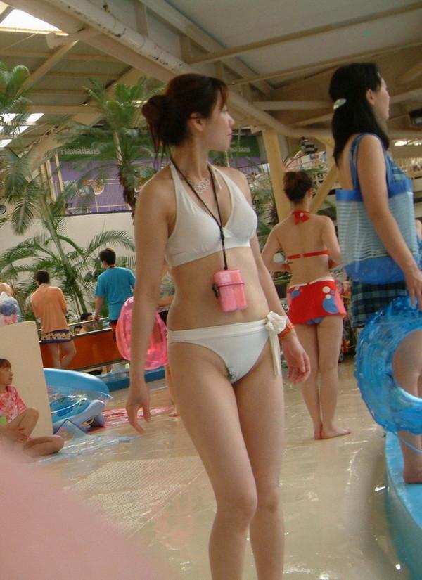 【ポロリ画像】暑いし海に行った気分になれるように水着ポロリうPするぞ! 08