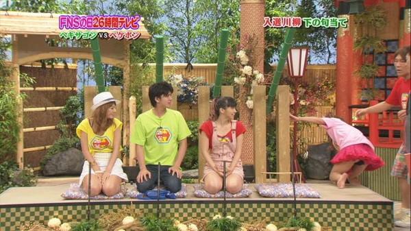 【放送事故画像】ショーパン履いてたってタイツ履いてたって足広げたら見えるでしょ!