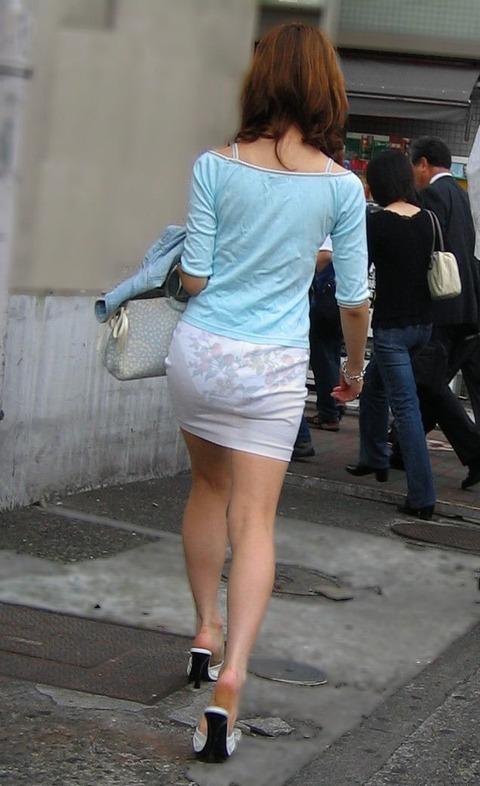 【透け画像】ちょっと待て~い!その服、そのズボン透けて下着見えてません?w 03