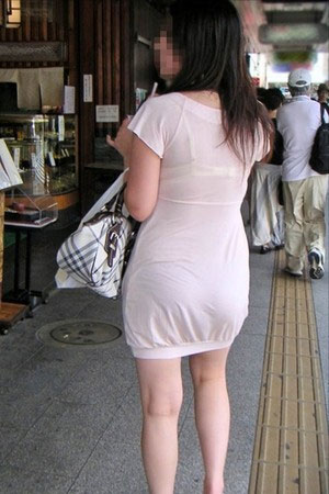 【透け画像】ちょっと待て~い!その服、そのズボン透けて下着見えてません?w 19