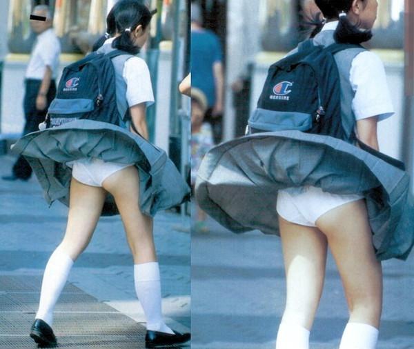 【ハプニング画像】待ちわびた瞬間が遂に来た時、スカートの中身が露わとなるw