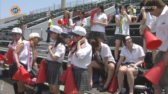 【放送事故画像】甲子園始まったし応援席のハプニング画像うPするわ! 19