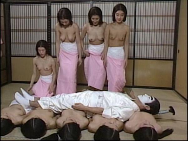 【放送事故画像】テレビで映ったオッパイや谷間見たい人集合!! 12