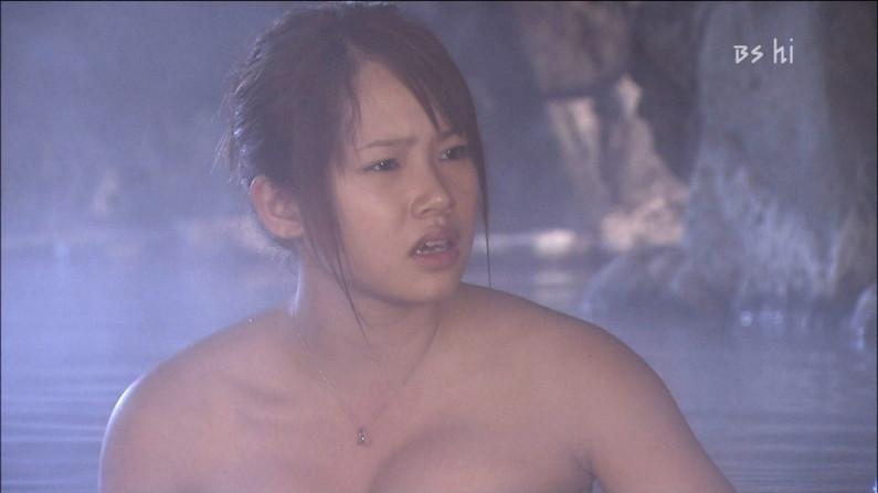【入浴キャプ画像】際どいシーン満載の温泉レポ!いつポロリしてもおかしくないぞww 17