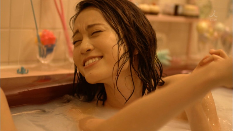 【入浴キャプ画像】際どいシーン満載の温泉レポ!いつポロリしてもおかしくないぞww 22