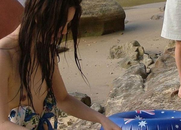 【素人ハプニング画像】今年の夏はこんな水着ハプニングに出会いたいんのですwww 08