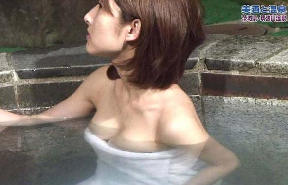 【温泉キャプ画像】お宝満載な温泉レポ!バスタオルからはみ出る巨乳に釘付けww