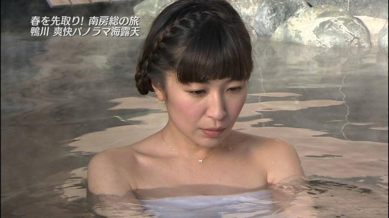 【温泉キャプ画像】お宝満載な温泉レポ!バスタオルからはみ出る巨乳に釘付けww 13