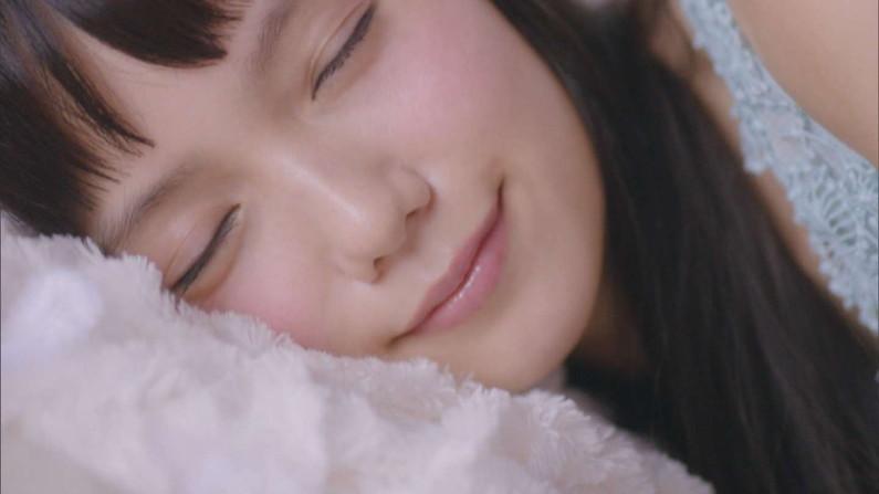 【寝顔キャプ画像】タレント達のこんな可愛い寝顔見てたら添い寝したくなるなぁwww 12