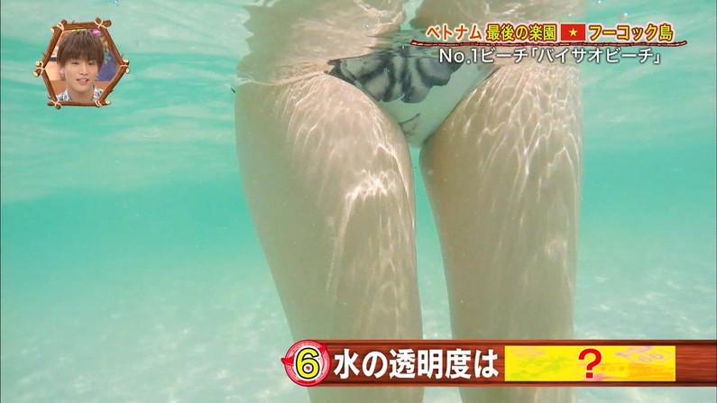 【太ももキャプ画像】ムチムチで張りのあるエロ要素満載な美女の太ももが美味しそうww 03