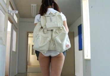 【パンチラ画像】あの~パンツが丸見えになってるんですけど・・・ 18