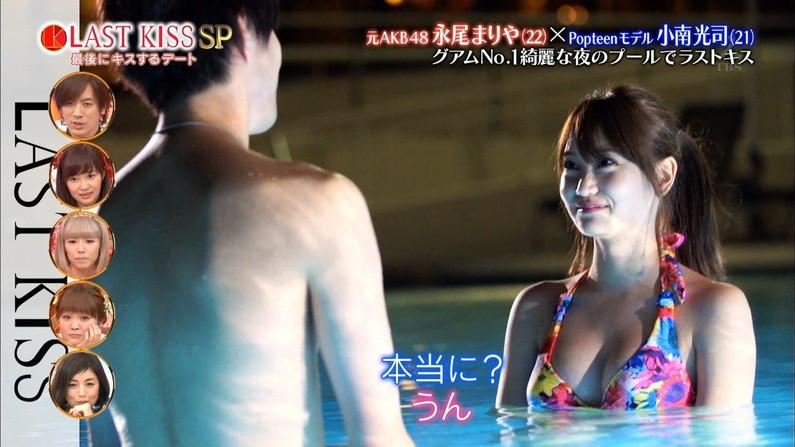 【水着キャプ画像】今年もそろそろこの時期がやって来ました!テレビで紹介、水着美女のオッパイwww 22