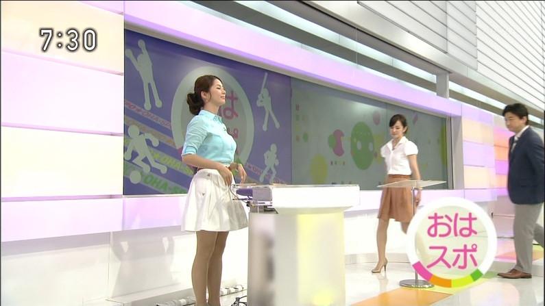 【放送事故画像】この時期になると女性芸能人が一番嫌がるハプニングが続出し始めるのがこれだwww 02