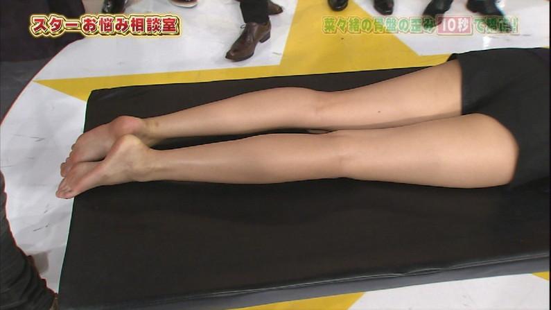 【足裏キャプ画像】フェチの男にはたまらないズリネタ!芸能人たちの臭そうな足裏だぞwww