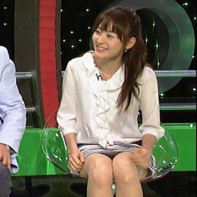 【放送事故画像】テレビでパンチラの期待値が高めな女性タレント達ww 19