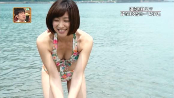 【水着キャプ画像】夏本番!こぞってテレビでも水着美女を紹介し始めましたよwww 11