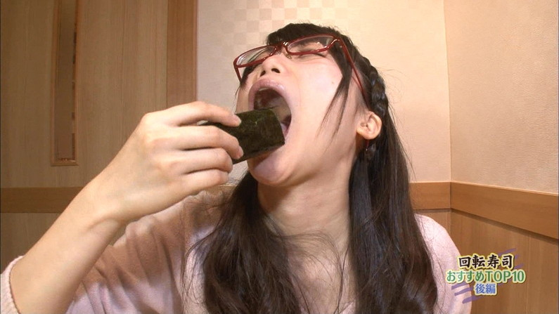 【擬似フェラ画像】エロすぎる顔で食レポする女子アナ達のこの表情を見てやってくれwww 23