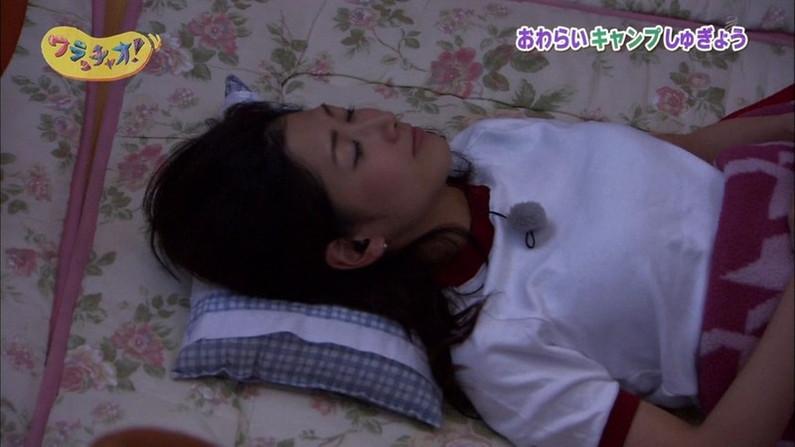 【寝顔キャプ画像】思わず夜這いでも仕掛けたくなるような、女子アナやアイドルの可愛い寝顔ww 06