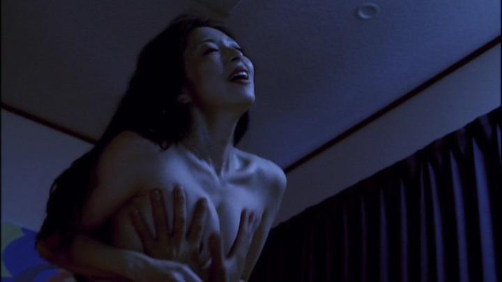 【お宝エロ画像】濡れ場屋ベッドシーンでも迫真の演技を見せ更に乳首までさらけ出す女優達!! 16