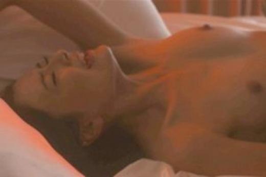 【お宝エロ画像】濡れ場屋ベッドシーンでも迫真の演技を見せ更に乳首までさらけ出す女優達!! 21