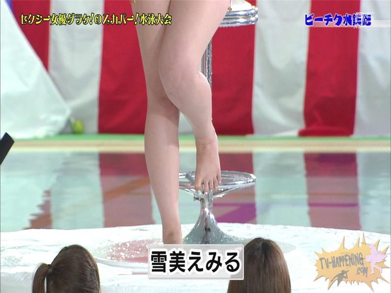 【お宝エロ画像】女優だらけのスカパー水泳大会で美女達が乳首刺激されて感じまくるww(ビーチク水鉄砲編) 19